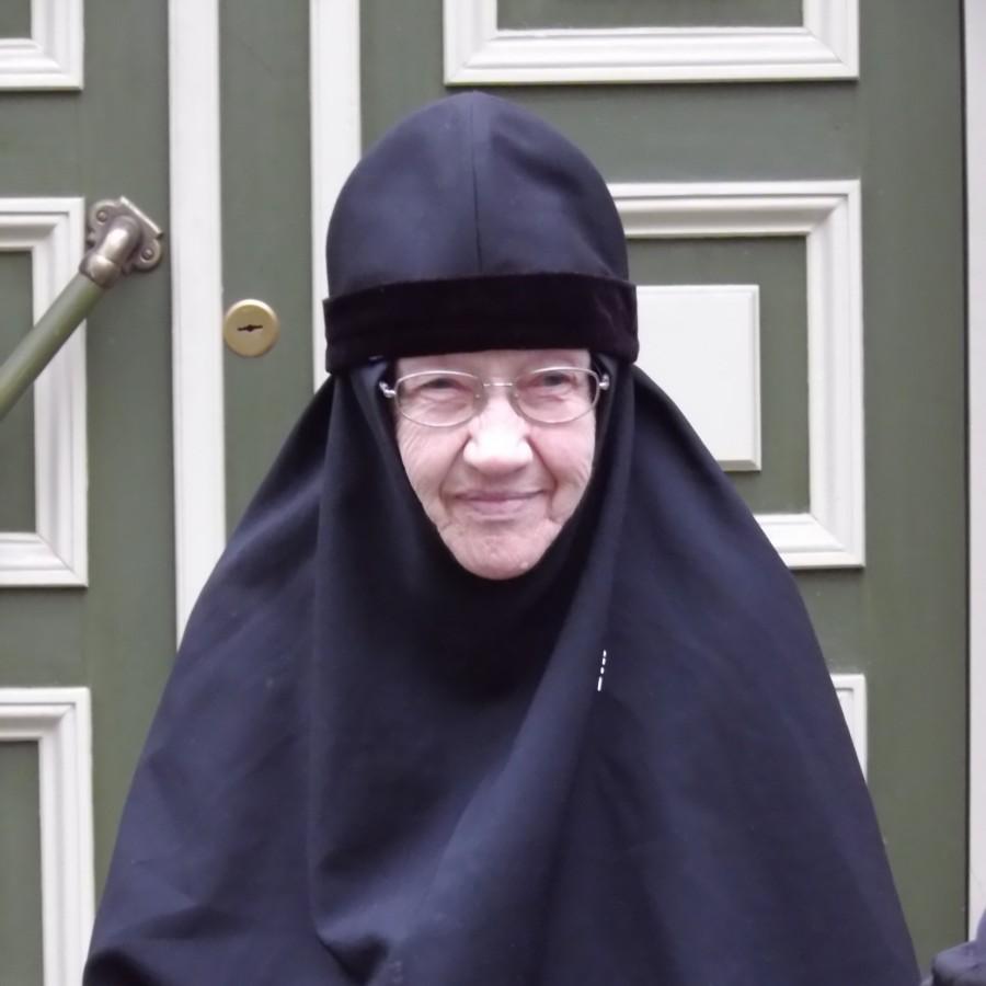 Auväärne Ema Ksenja Jeruusalemma Õlimäe Õigeusu Kloostri nunn külastas tervisekliinikut